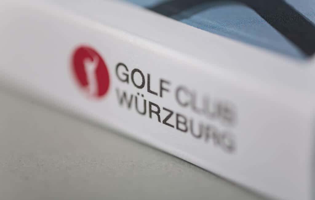 golfclub-referenz-buch-klassische-werbung